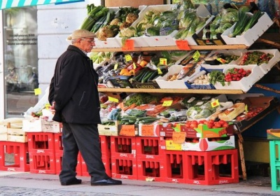 Viac než polovica spotrebiteľov v EÚ zohľadňuje podľa nového prieskumu pri nakupovaní environmentálny vplyv